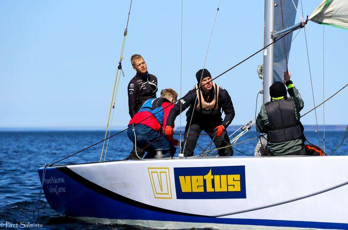 Keith Luuri - saavutanud rahvusvahelisi noorteklasside tipptulemusi nii merel kui jää peal purjetades - meeskond Püss Pärnu Jahtklubi Purjespordikoolist. FOTO: Piret Salmistu