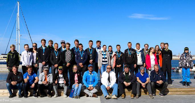 2018.a. Eesti Purjetamisliiga esimese etapi osavõtjad ja läbiviijad Haven Kakumäel. FOTO: Piret Salmistu