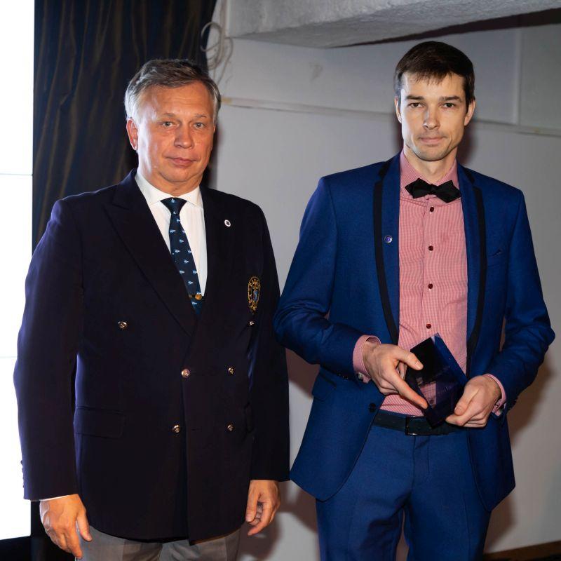 Aasta Treener 2019 Raivo Randmäe (fotol paremal) ja Eesti Jahtklubide Liidu president Egon Elstein Foto autor: Tiit Aunaste