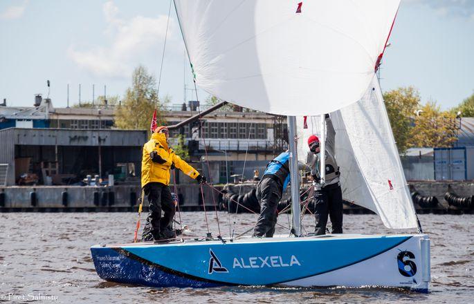 Eesti Purjetamisliiga 2019 1. etapp Pärnus, Saaremaa Merispordi Seltsi võistkond Foto: Piret Salmistu
