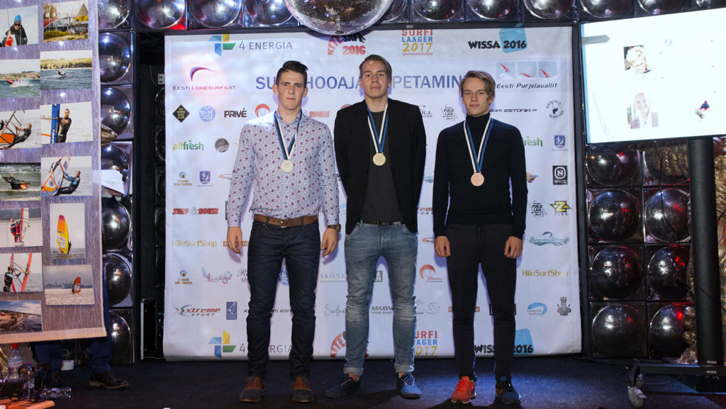 Slaalomi Eesti MV parimad noored. Foto autor: Toomas Kõuts