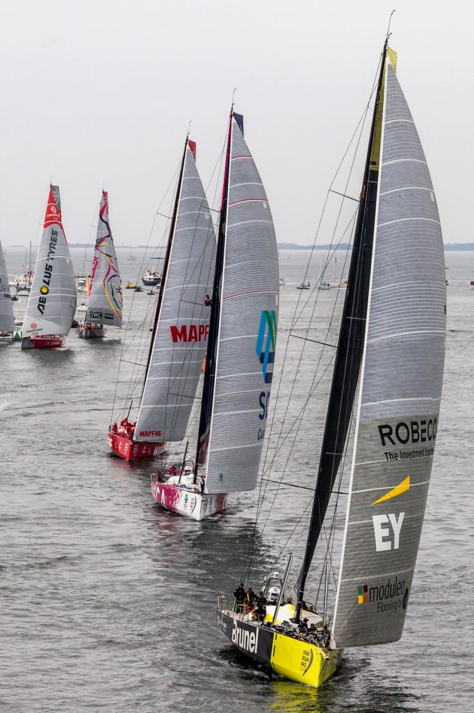 Viimase lühirajasõidu võitis viimasena stardiliinile jõudnud Hollandi meeskond Brunel. Credit: Carlo Borlenghi / Volvo Ocean Race