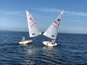 Rufus Rytövaara ja Aleksander Luik Zoom8 paatidega Soome lahte ületamas