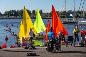 Erilised purjetajad Pärnus Foto autor: Raul Mee